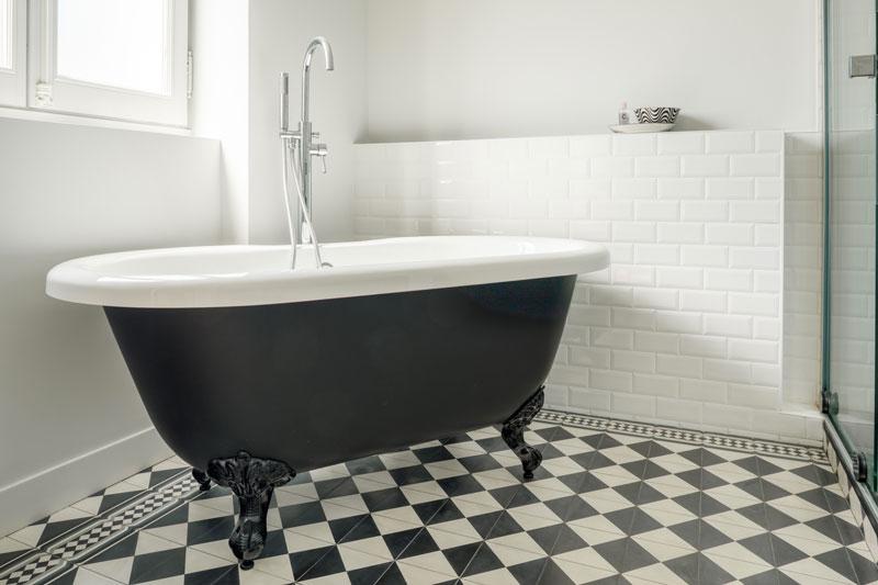 1855-baignoire-tradition et charme -chambre d'hotes- le clos labottiere-26